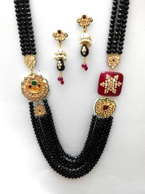 smart look black kundan necklace