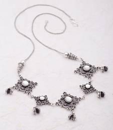 Buy Silver pearl necklaces Necklace online