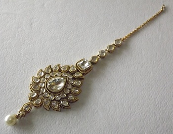 Golden Classic Lucknowi Style Maang Tikka in American Diamonds