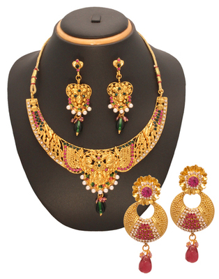 Fashionable womens combo jewellery
