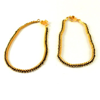 Preety gold platted anklet