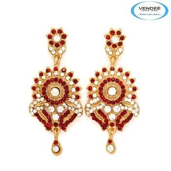 Vendee-Exclusive fancy diamond earring (6368A)