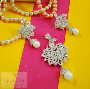 White daimante Pearl Pendent Earring Jewellery