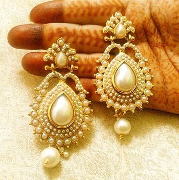 Designer stylish white pearl copper alloy earrings