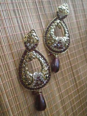 Maroon Golden Earrings-05084