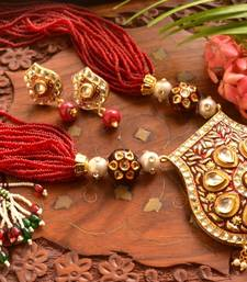 Buy Grand Kundan Stone Big Pendant Agate Stone Necklace Set necklace-set online