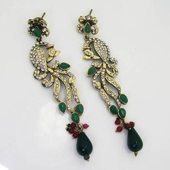 Victorian Slim Peacock Earring Green Leaves