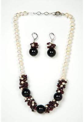 Just Women - Genuine Garnet Pearl Necklace with Earrings