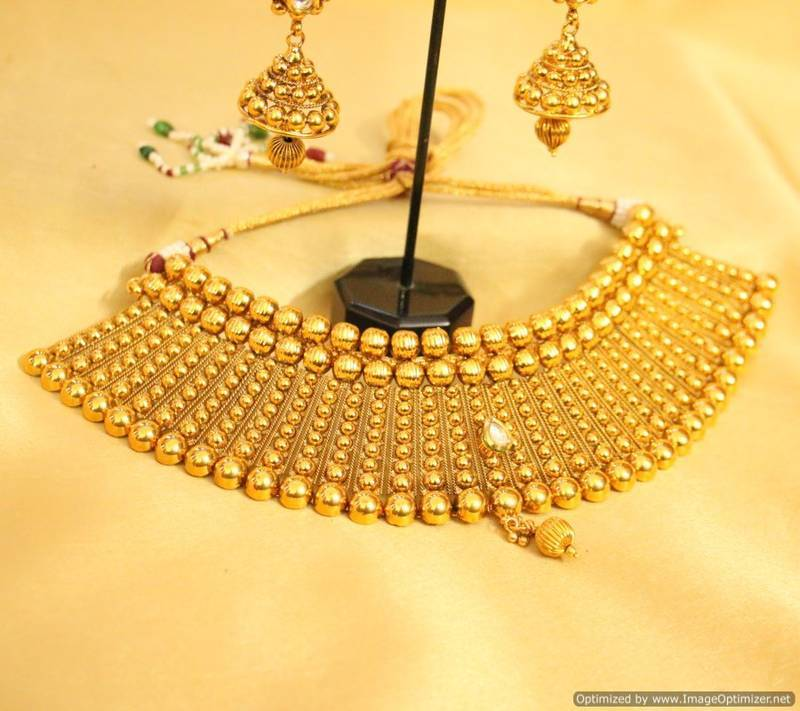 Buy Royal Gold Look Kundan Choker Necklace Set Online