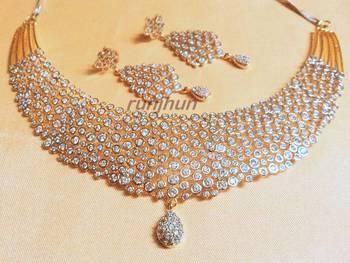 elegant cz necklace set..light wht