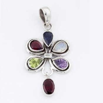 Exclusive Silver Pendant With Faceted Gemstones_01