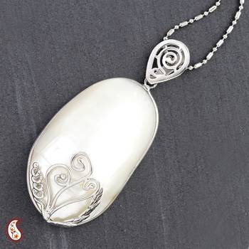 Oval Mother of Pearl Pendant