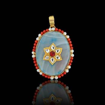 Oval shape Flower Art Sojo Pendant